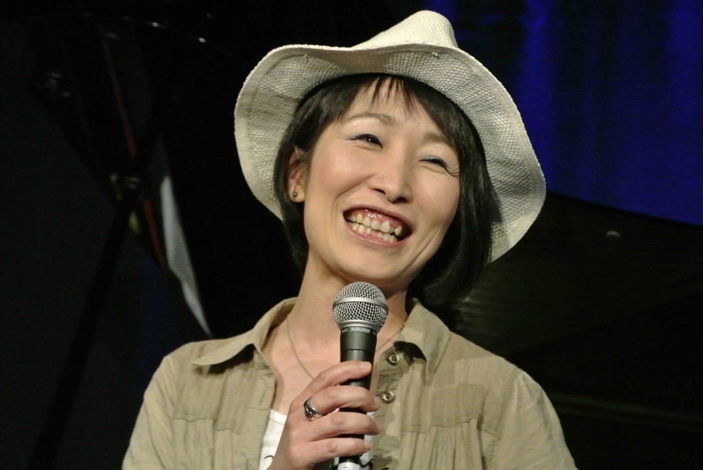 本日はアトランダムカルテットライブ 今月は「奈良部智子」さんです。