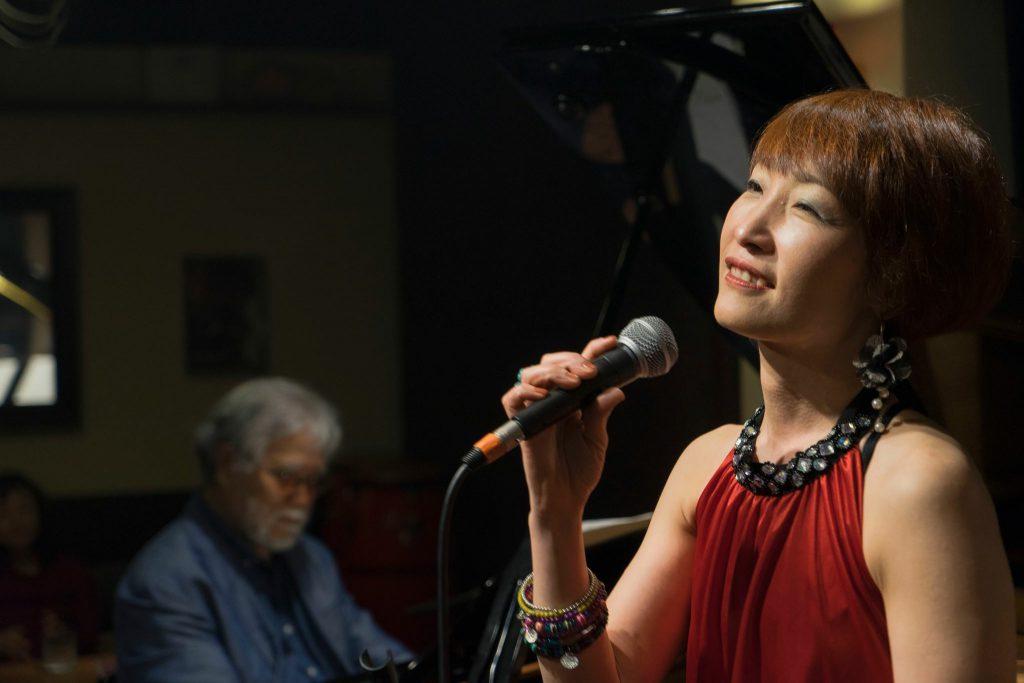 6月23日(土)大袋北部市民会館で昼間ライブします。